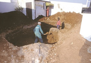 Dig hole for new pool - Hints for the New Swimming Pool Owner