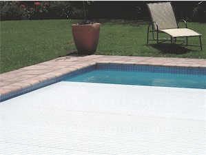 Light colour pool cover closeup - Trend-Setting Swimming Pool Covers