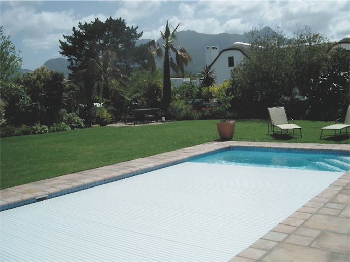 swimming pool style