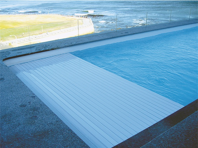 Solid Roldeck Pool Cover 02 - Trend-Setting Swimming Pool Covers