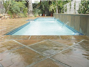 Stone pool surround 7 - Choose a Pool Surround with Style