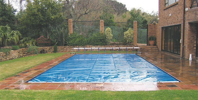 pool cover to save energy