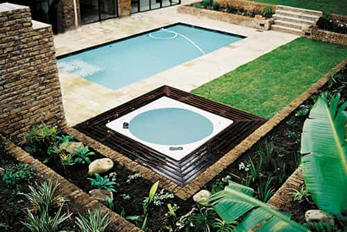 deck 01 S - Soak Your Cares Away in a Hot Water Spa