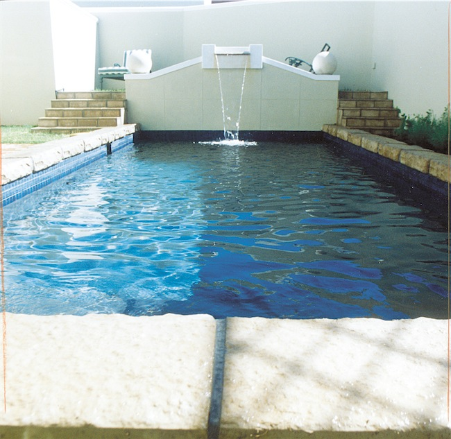 kerbstone pool surround