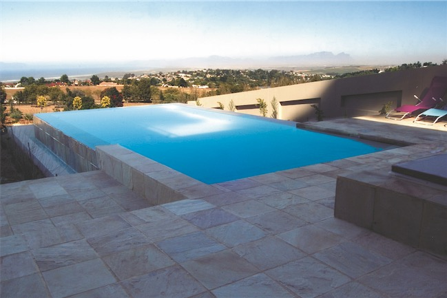 Rim Flow Pool With View S - Swimming Pools With Strong Views